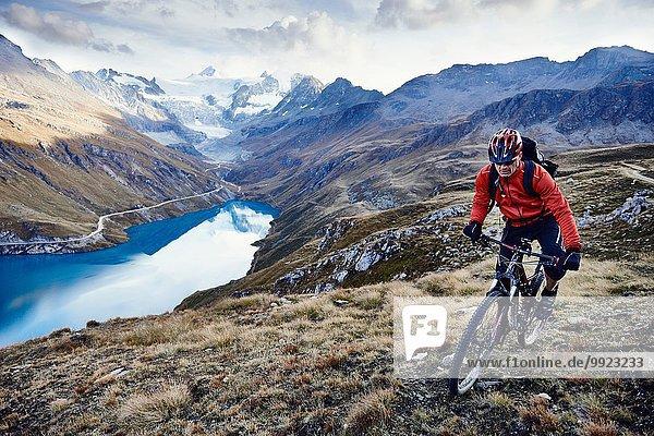 Mountainbiker  Wallis  Schweiz