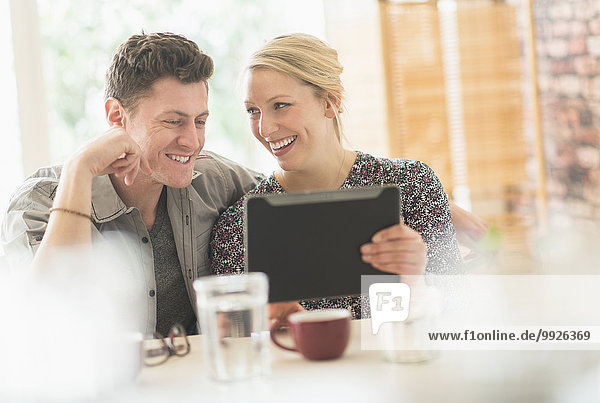 benutzen Computer Cafe Tablet PC