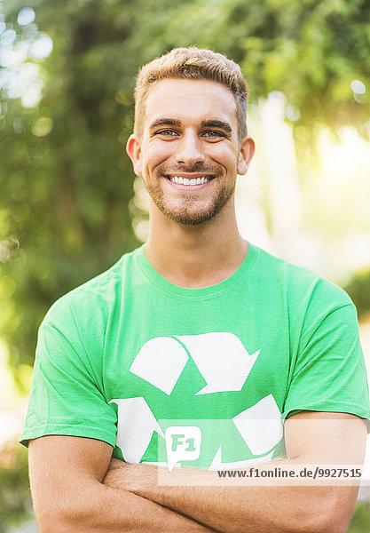 Portrait Mann Symbol Recycling jung Kleidung T-Shirt Portrait,Mann,Symbol,Recycling,jung,Kleidung,T-Shirt