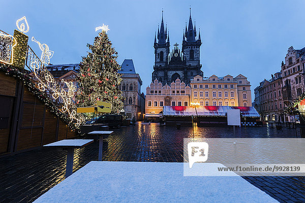 Tyn Cathedral seen from square in winter