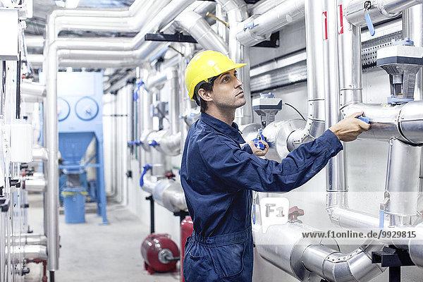 Ingenieur im Industrieanlagenbau