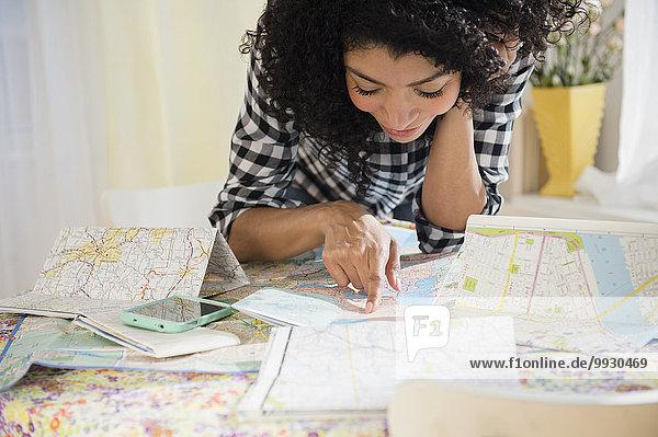 Frau Reise Fernverkehrsstraße Landkarte Karte mischen Mixed Planung