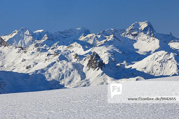 blauer Himmel, wolkenloser Himmel, wolkenlos, Panorama, Schneedecke, Berg, Winter, Himmel, Schnee, Alpen, blau, Ansicht, Westalpen, schweizerisch, Schweiz, Bergpanorama, Schweizer Alpen