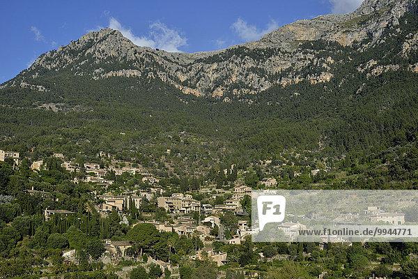 Ortsansicht von Deià  Tramuntana-Gebirge  Mallorca  Balearen  Spanien  Europa