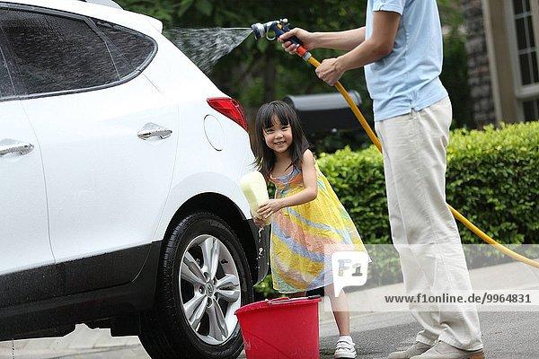 Fröhlichkeit Auto schrubben
