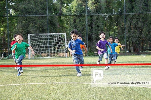 Spur Wettbewerb Junge - Person Feld Ar