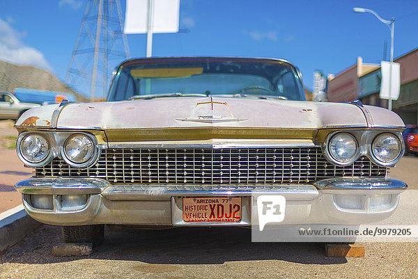 Cadillac von vorne  Kühlergrill eines amerikanischen Oldtimers  Bisbee  Arizona  USA  Nordamerika