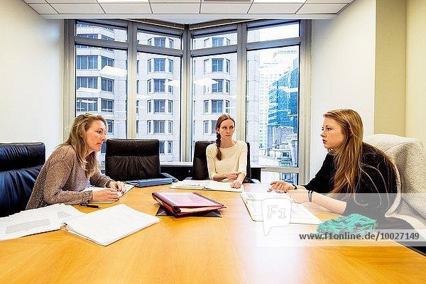 Vereinigte Staaten von Amerika USA hoch oben arbeiten Kultur Lehrer Klassenzimmer Schule (Einrichtung) Student New York City 2 Sprache Formular niederländisch
