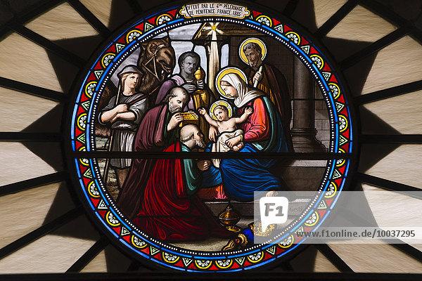 Kirchenfenster der Katharinenkirche mit Geburt Jesus Christus mit Maria  Josef und den Heiligen Drei Königen  Geburtskirche Jesu  Bethlehem  Westjordanland  Palästina  Israel  Asien