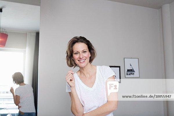 Portrait Frau lächeln reifer Erwachsene reife Erwachsene