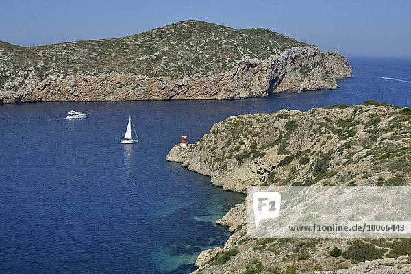 Boote im Parque Nacional de Cabrera  Cabrera-Nationalpark  Cabrera-Archipel  Mallorca  Balearen  Spanien  Europa