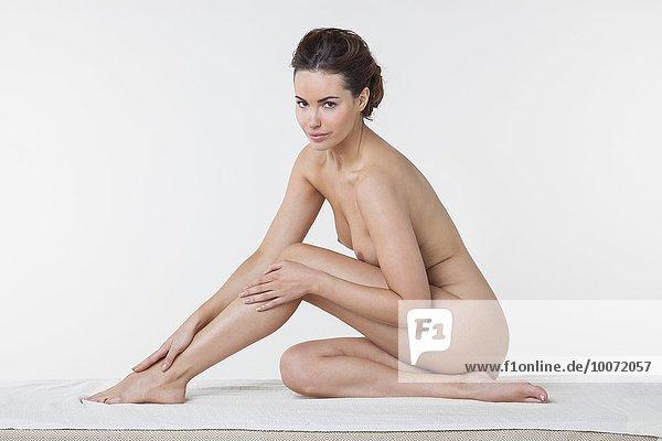Frau in einem Spa sitzend