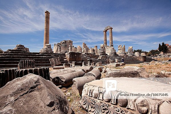 View to the Temple of Apollo at the Archeological area of Didim  Didyma  Aydin Province  Turkey  Europe.