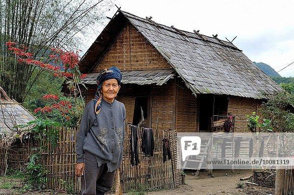 nahe Senior Senioren Frau Berg Mensch Menschen Dorf Ethnisches Erscheinungsbild Südostasien Lifestyle Laos Bergmassiv