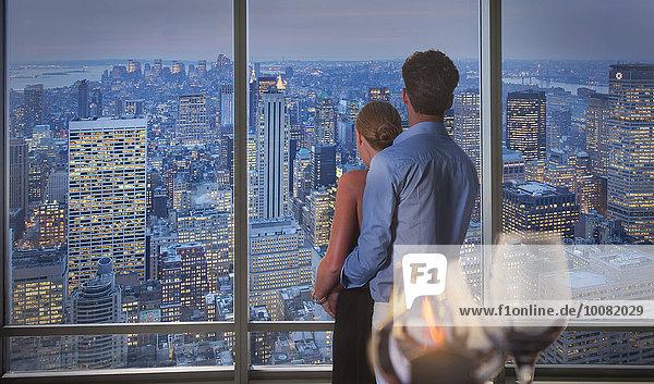 Stadtansicht Stadtansichten Europäer Vereinigte Staaten von Amerika USA Fenster Bewunderung New York City neu