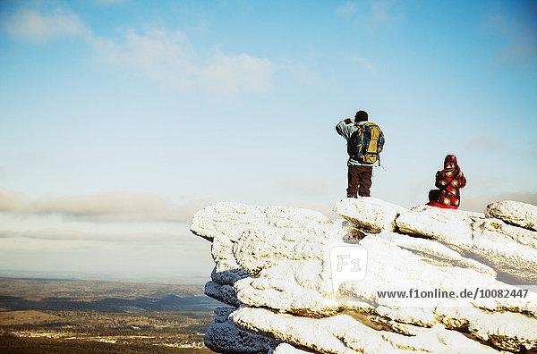 Landschaftlich schön landschaftlich reizvoll Europäer Berggipfel Gipfel Spitze Spitzen Bewunderung wandern Ansicht