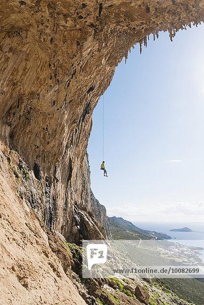 Europäer Wand hängen Klettern