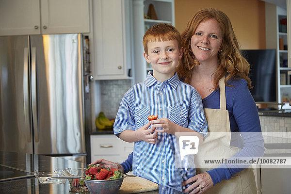 kochen Europäer Sohn Küche Mutter - Mensch