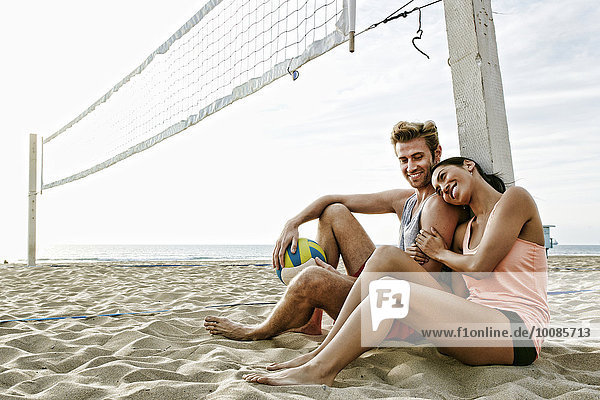 nahe sitzend Strand Netz Volleyball