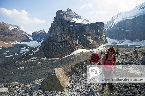 Europäer folgen wandern Gletscher Tochter 6 Mutter - Mensch