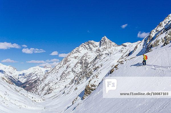 Mann Landschaft Schnee Skisport Hang