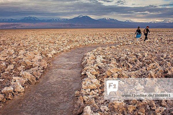 Weg Anordnung Hintergrund Anden Atacama flach Chile Speisesalz Salz