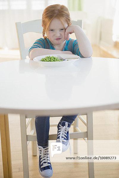 Europäer Gemüse Teller Mädchen