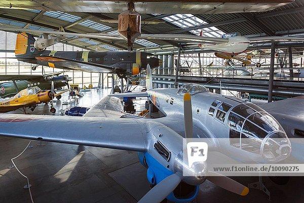 Gebäude Museum Nostalgie Luftverkehr bauen NATO Flugplatz Bayern Kollektion deutsch Deutschland spanisch