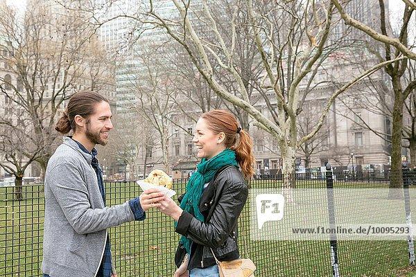Gemeinsames Mittagessen  New York  New York  USA