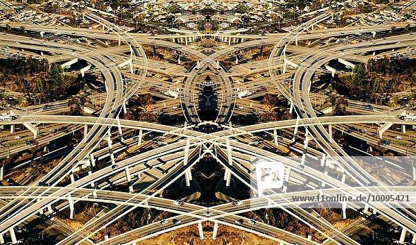 Abstrakte symmetrische Luftaufnahme von Überführungen und Autobahnen  Los Angeles  Kalifornien  USA