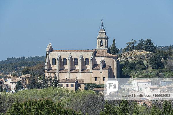 Kirche St-Pierre de Bédoin  am Mont Ventoux  Bédoin  Provence-Alpes-Côte d'Azur  Frankreich  Europa