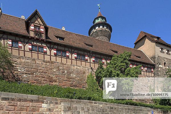 Kaiserburg mit dem Sinwellturm  13. Jahrhundert  Nürnberg  Mittelfranken  Bayern  Deutschland  Europa