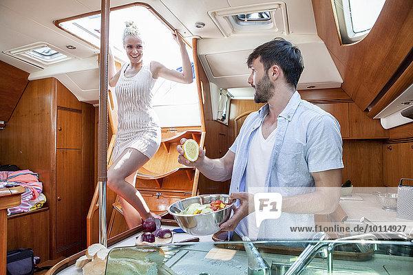kochen Yacht jung Küche Adriatisches Meer Adria