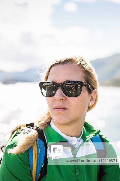 Porträt einer jungen Frau  Comer See  Italien