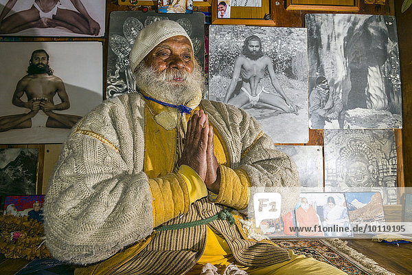 A portrait of Swami Sundaranand  a famous Sadhu  yogi and photographer  Gangotri  Uttarakhand  India  Asia