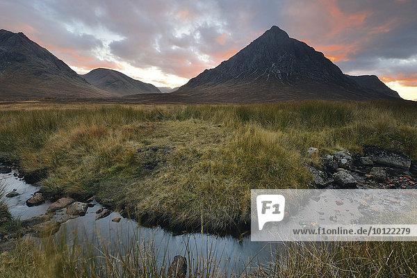 Buachaille Etive Mor  autumn sunset in Glen Etive Valley  Scotland  United Kingdom  Europe
