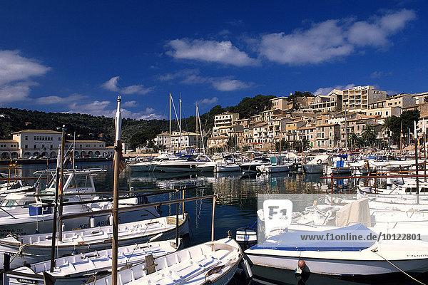 Boote im Hafen von Port de Soller  Mallorca  Balearen  Spanien  Europa