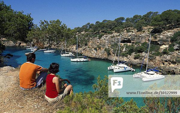 Paar an der Cala Pi  Mallorca  Balearen  Spanien  Europa