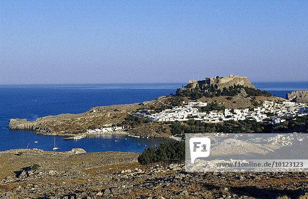 Blick auf Lindos  Rhodos  Dodekanes  Griechenland  Europa