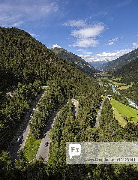 Samnauener Bergstraße  Serpentinen-Straße nach Samnaun bei Hinterrauth  Inn  Oberinntal  Pfunds  Tirol  Österreich  Europa