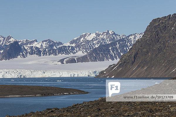 Gletscher im Lilliehöökfjorden  Spitzbergen  Norwegen  Europa