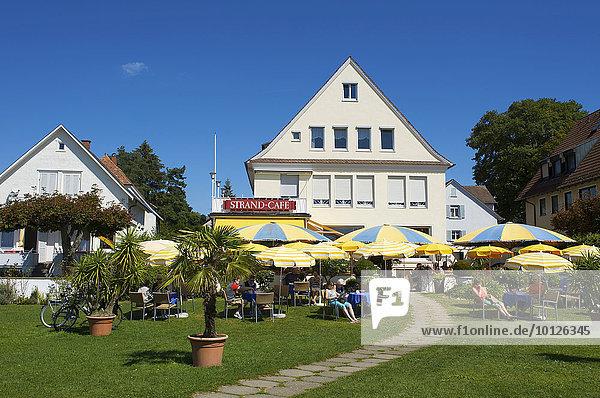 Gartencafe in Langenargen  Bodensee  Baden-Württemberg  Deutschland  Europa