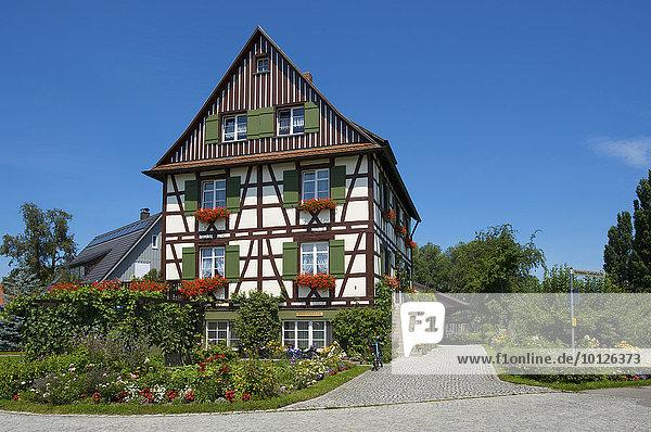 Fachwerkhaus auf der Insel Reichenau  Bodensee  Baden-Württemberg  Deutschland  Europa