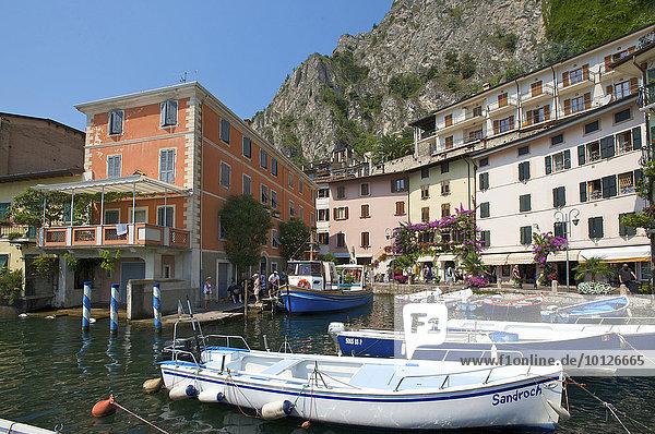 Hafen von Limone am Gardasee  Lombardei  Italien  Europa