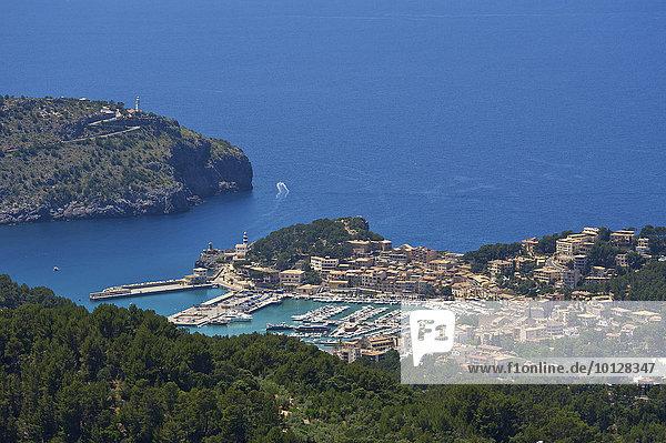 Stadtansicht Port de Soller  Port de Sóller  Mallorca  Balearen  Spanien  Europa