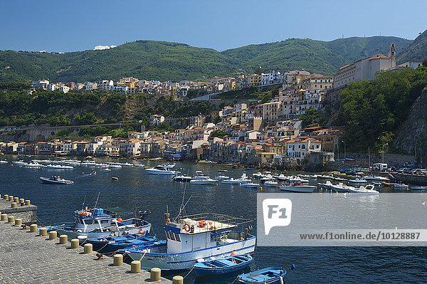 Hafen von Scilla  Costa Viola  Kalabrien  Italien  Europa