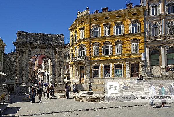 Sergierbogen  Pula  Istrien  Kroatien  Europa