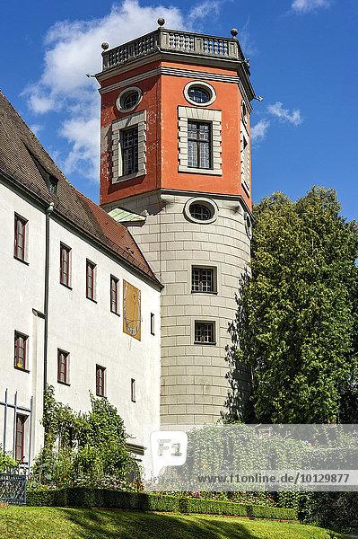 Wasserturm  genannt Kastenturm oder Spitalturm  Wasserwerk Am Roten Tor  Rosengarten vom Heilig-Geist-Spital  Brunnenmeisterhof oder Handwerkerhof  Augsburg  Schwaben  Bayern  Deutschland  Europa