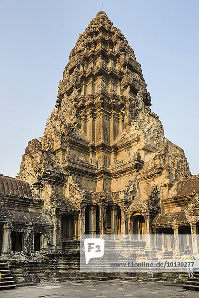 The Central Prasat on the third level  Angkor Wat temple  Siem Reap Province  Cambodia  Asia