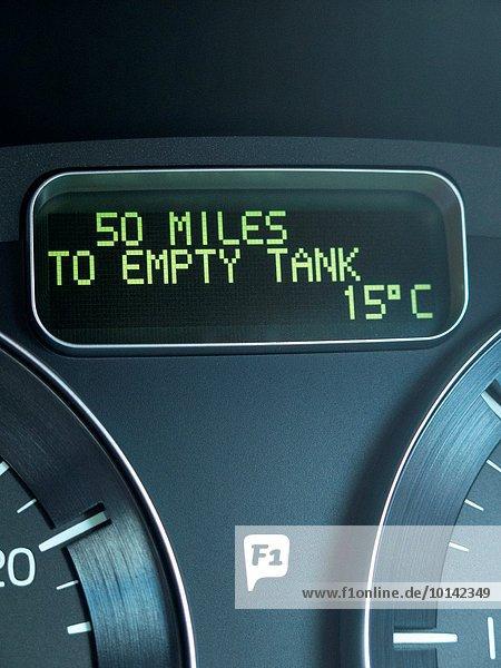 leer zeigen Auto britisch Close-up Benzin Armaturenbrett Derbyshire